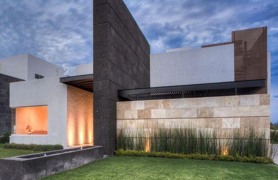 Muros de piedra para fachadas decoracion de interiores for Piedras para fachadas minimalistas