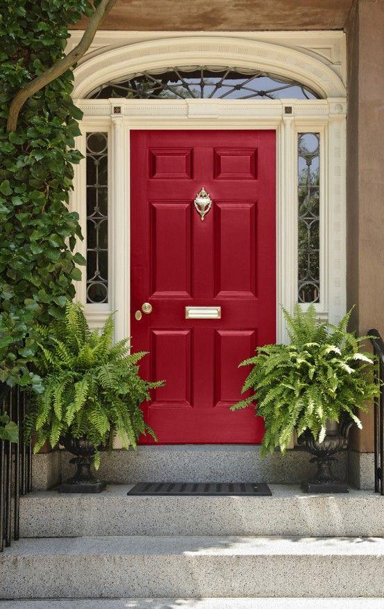 portico en color rojo