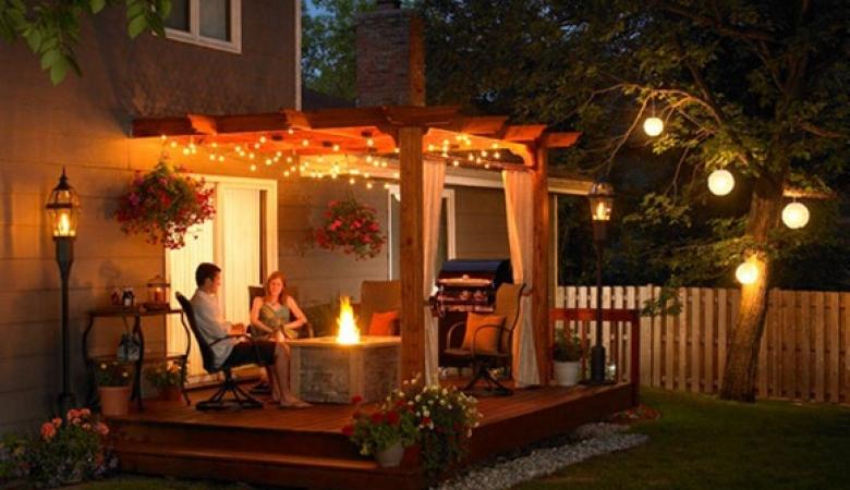 Mobiliario para fiesta navideña en tu jardín