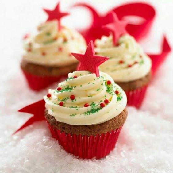 Cupcakes con estrellas y chispas