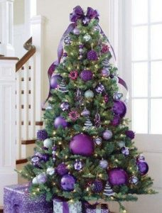 Ideas de decoracion navidena 2017 - 2018 en morado (7)