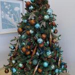 Ideas de decoracion para navidad en verde azulado con cobre (10)