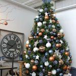 Ideas de decoracion para navidad en verde azulado con cobre (16)