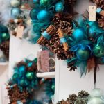 Ideas de decoracion para navidad en verde azulado con cobre (9)