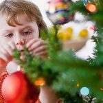 Ideas para Adornar un arbol de Navidad con Tus hijos (15)