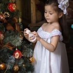 Ideas para Adornar un arbol de Navidad con Tus hijos (3)