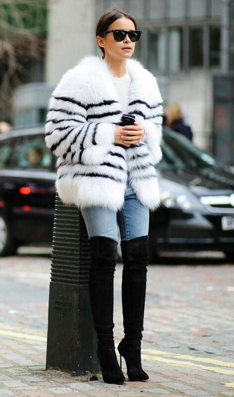 Outfits de jeans con botas largas otoño - invierno 2017 (17)