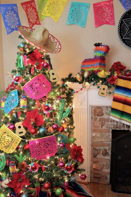 10 Arboles Navideños con Decoracion Mexicana (10)