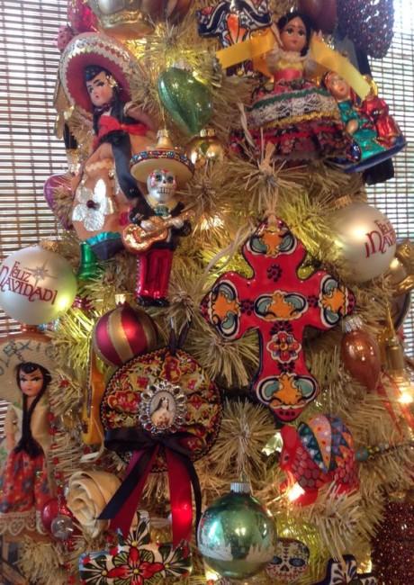 10 Arboles Navideños con Decoracion Mexicana (9)