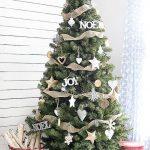 Simple yet classic Rustic Christmas Tree. livelaughrowe.com