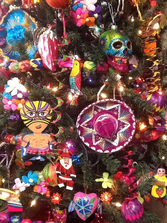 Árbol de Navidad con Sombreros de Charro