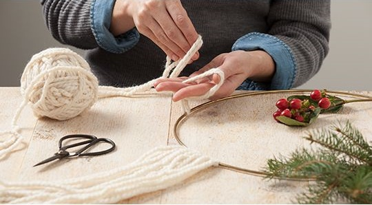 Como hacer manualidades faciles navideñas (22)