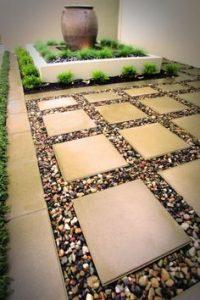 Como hacer un jardin pequeno con piedras (1)