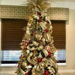 Formas de decorar tu arbol de navidad con liston (13)