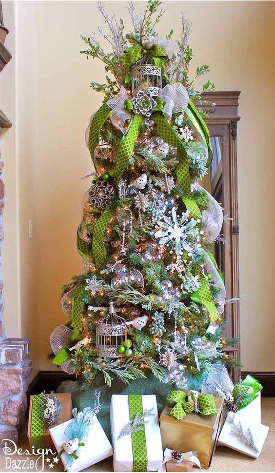 Formas de decorar tu arbol de navidad con liston (2)