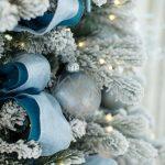 Formas de decorar tu arbol de navidad con liston (21)