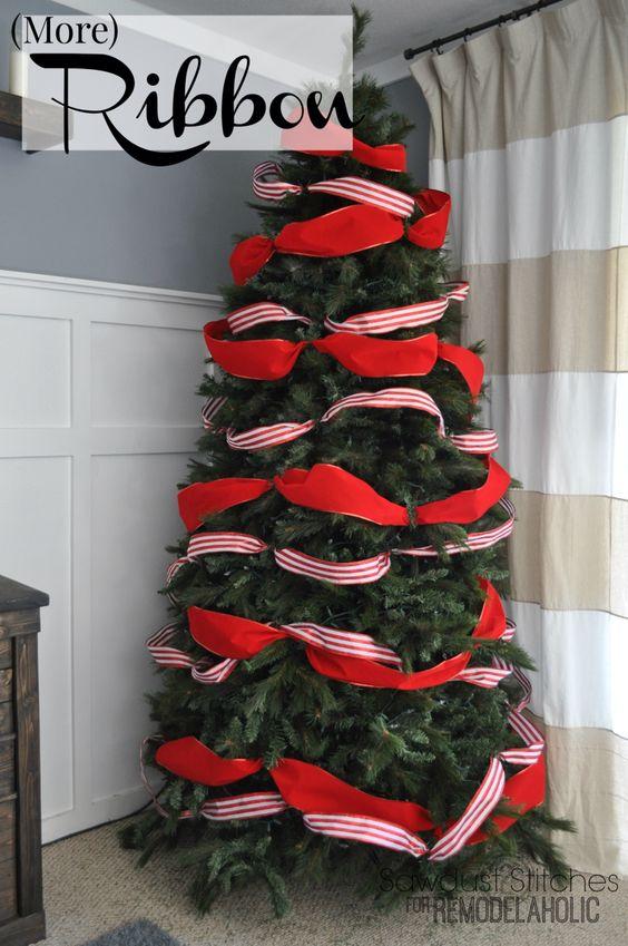 Formas de decorar tu arbol de navidad con liston (6)