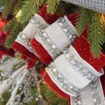 Formas de decorar tu arbol de navidad con liston (7)
