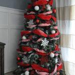 Formas de decorar tu arbol de navidad con liston (9)