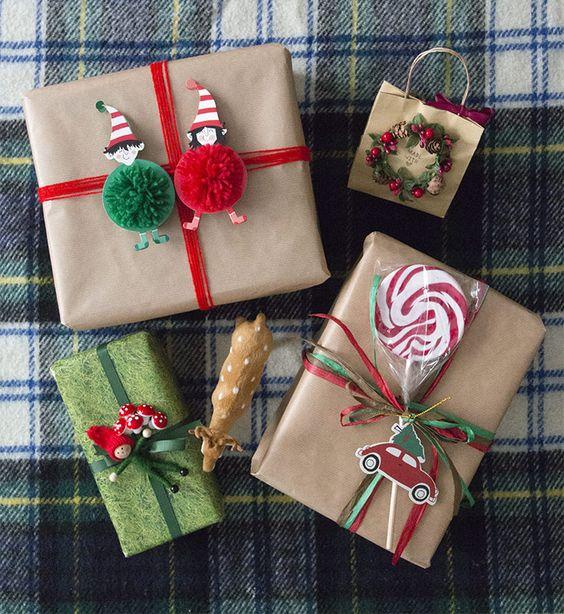 Envolturas navideñas con papel kraft