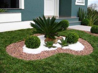 Jardines pequenos para entradas de casas 3 decoracion for Jardines redondos pequenos