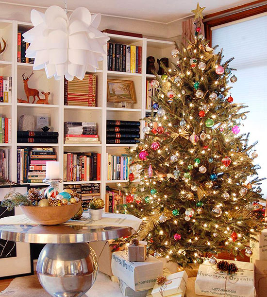 M s de 20 ideas de rboles navide os para tu oficina 8 - Arboles decoracion interior ...