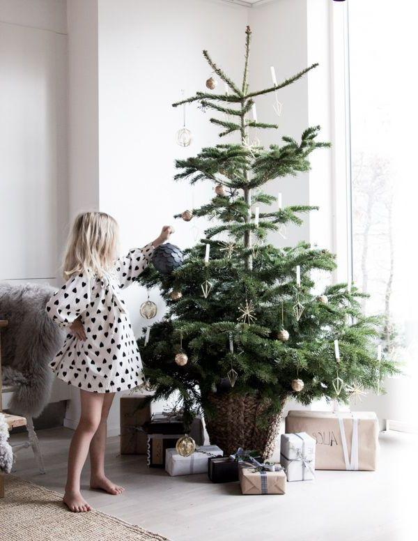Mas de 150 fotos de decoracion para arboles de navidad modernos (181)