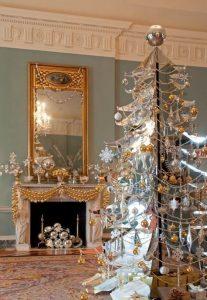 Mas de 150 fotos de decoracion para arboles de navidad modernos (26)
