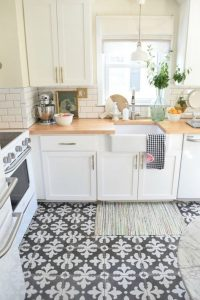 Que tipo de piso puedo añadir a la decoracion de cocinas (2)