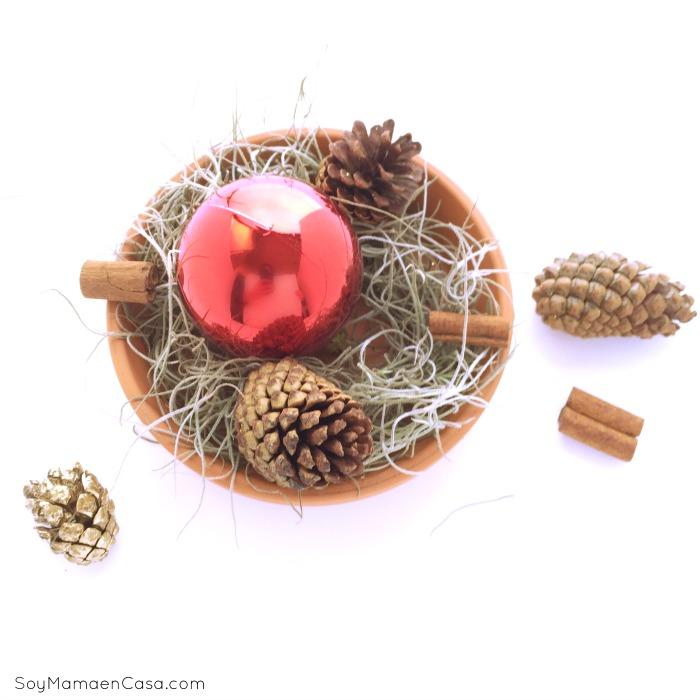 De 25 incre bles centros de mesa de navidad y como hacerlos - Centros de mesa con pinas secas ...
