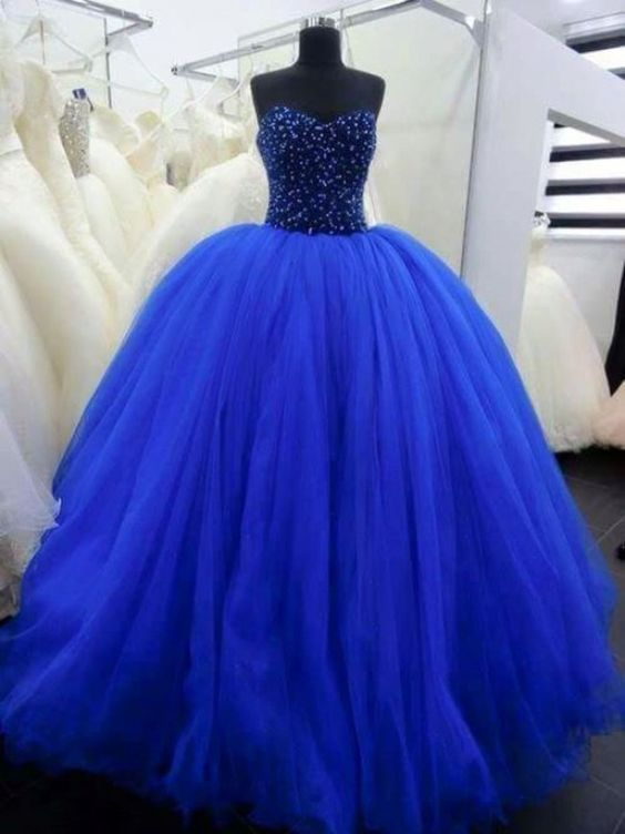 Blue dresses fifteen years King (1)
