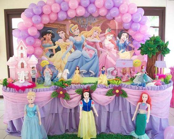 arco de globo para decorar fiesta de nina tema princesas