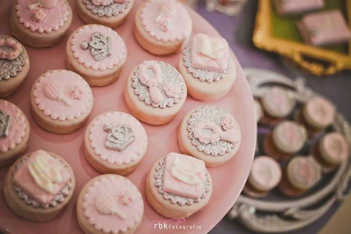 bocadillos mesa de postres de princesas (4)