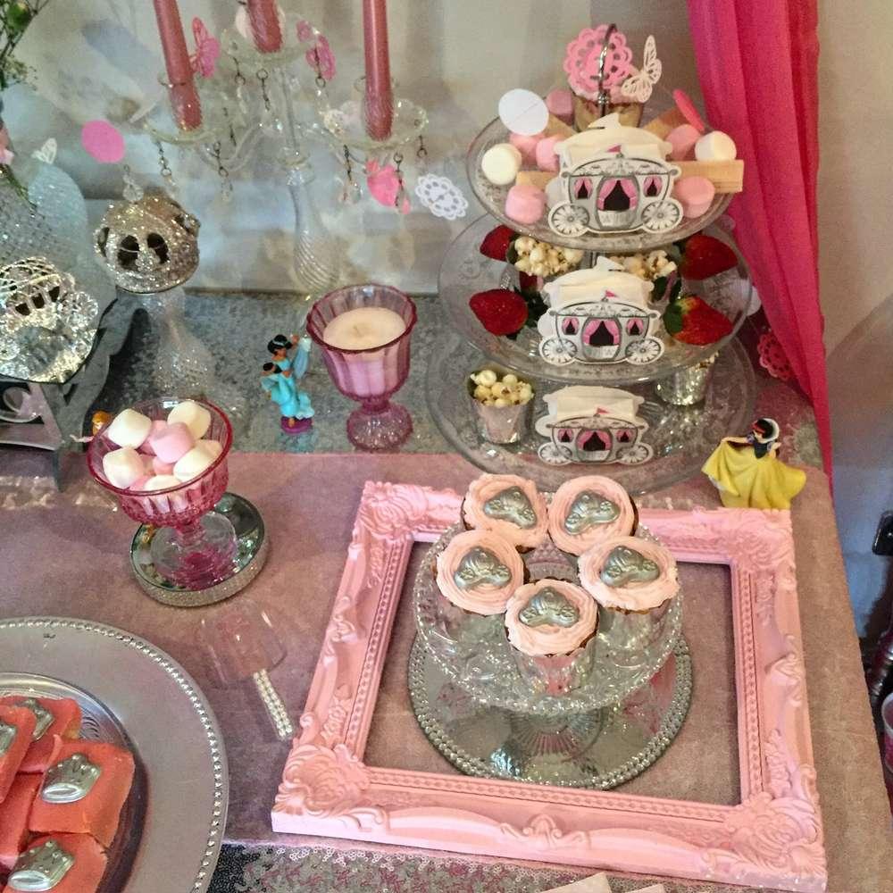 bocadillos mesa de postres de princesas