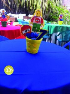 centro de mesa economico para fiesta de lego