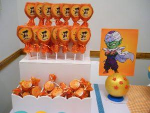 como decorar una mea de postres para fiesta infantil de goku (4)
