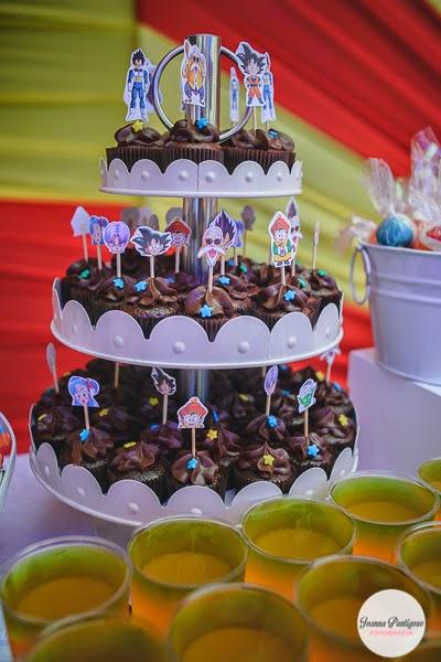 cup cake o bollos para una fiesta de goku (3)