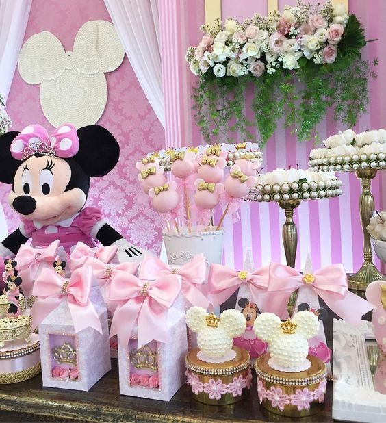 decoracion fiesta de minnie mouse rosa