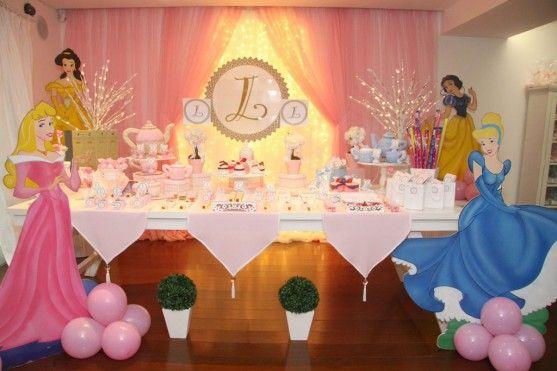 decoracion moderna de fiesta infantil princesas disney (2)