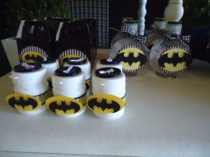 detalles para una mesa de dulces con tema de batman (3)