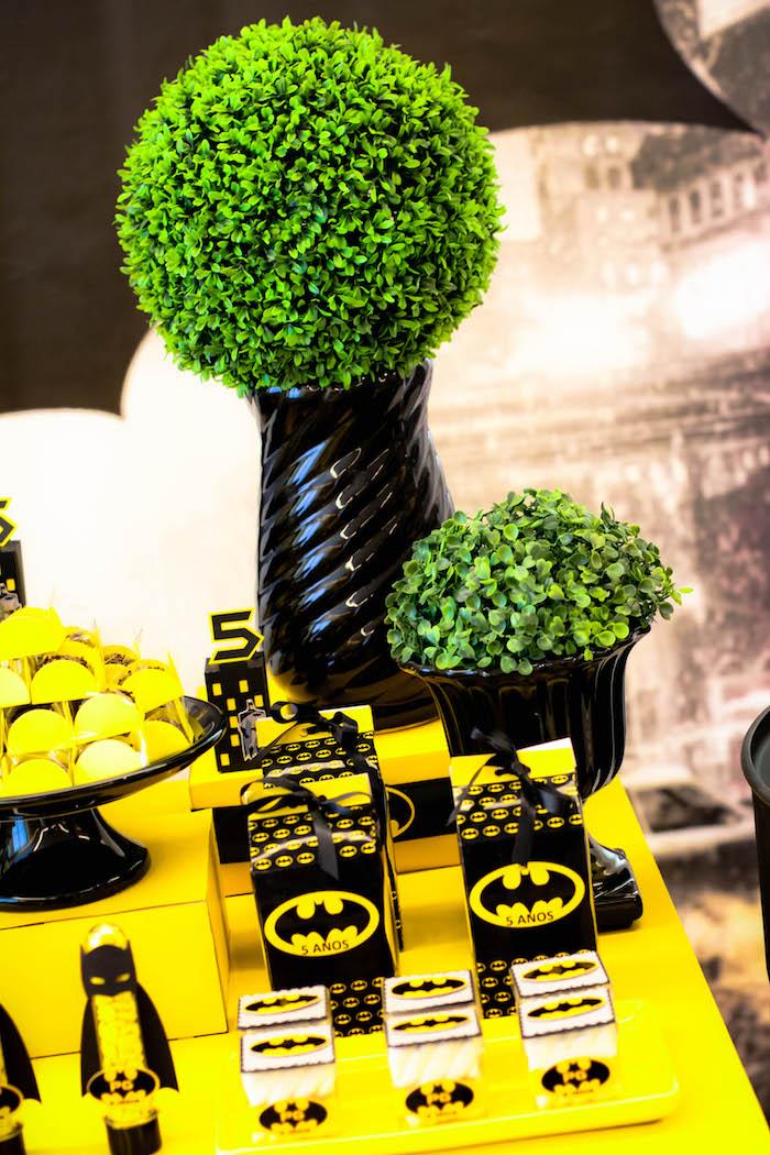 detalles para una mesa de dulces con tema de batman (6)