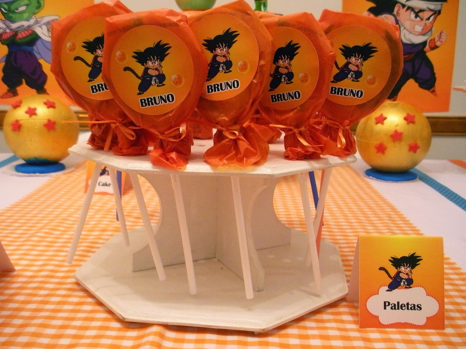 detalles personalizados para una mesa de postres de goku (12)