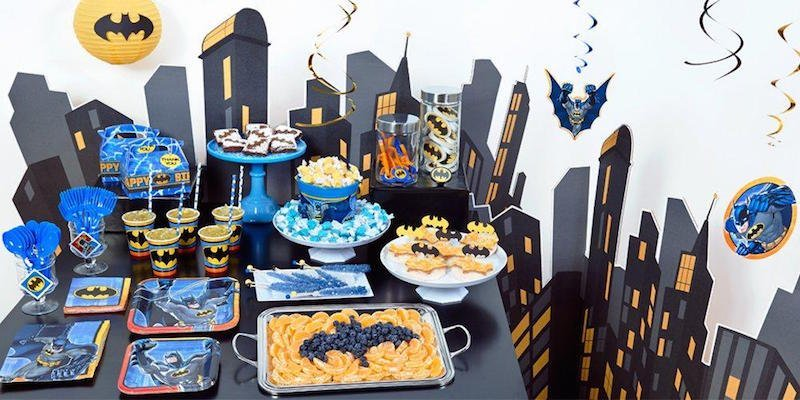 mesa de dulces para fiesta de batman (2)
