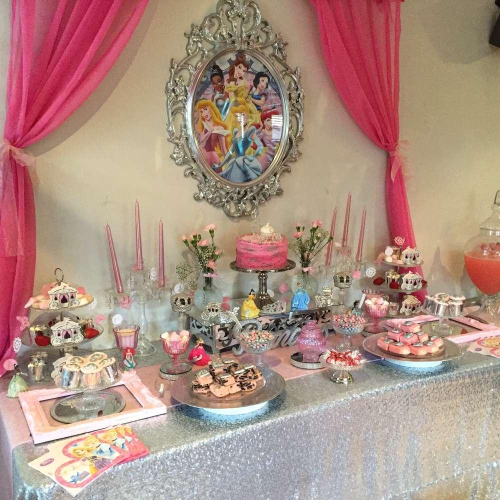 Fiestas infantiles de princesas para ste 2018 con las for Decoracion de princesas