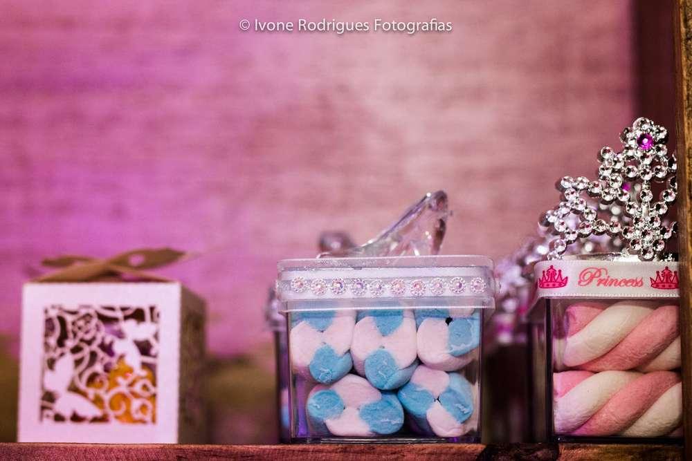 mesa de postres para fiesta infatil de princesas (3)