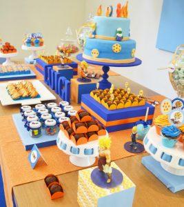 mesa de postres para una fiesta de goku (4)