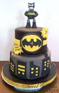 pastel de 2 pisos de batman (3)