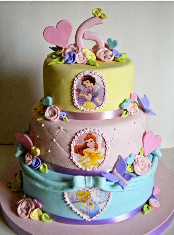 pastel de 2 pisos de princesas para fiesta infantil