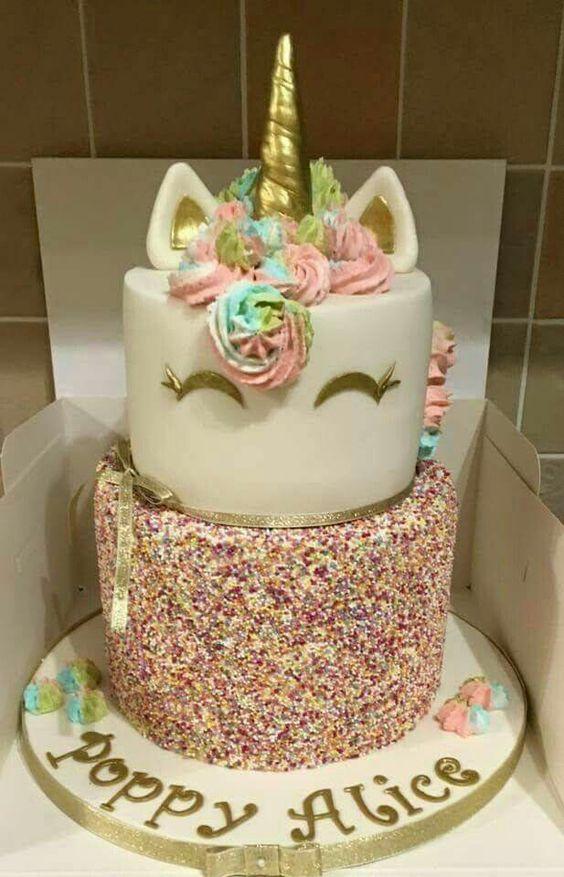 pastel de 2 pisos para fiesta de unicornio