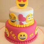 pastel de nina para fiesta emogy